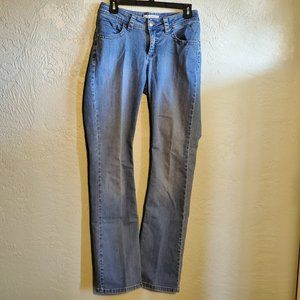 LEE CURVY FIT SIZE 6 BOOTLEG JEANS